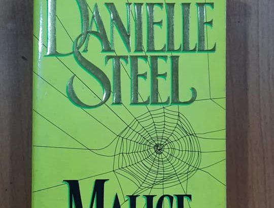 danielle steel-malice.jpg